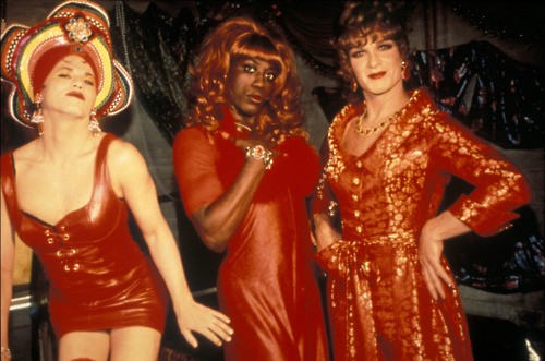 Extravagances To Wong Foo Thanks for Everything, Julie Newmar Year: 1995 - usa Patrick Swayze, Wesley Snipes, John Leguizamo Director: Beeban Kidron